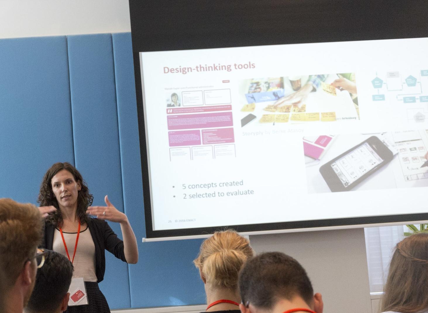 Carina Palumbo presenting at UXcampAMS16