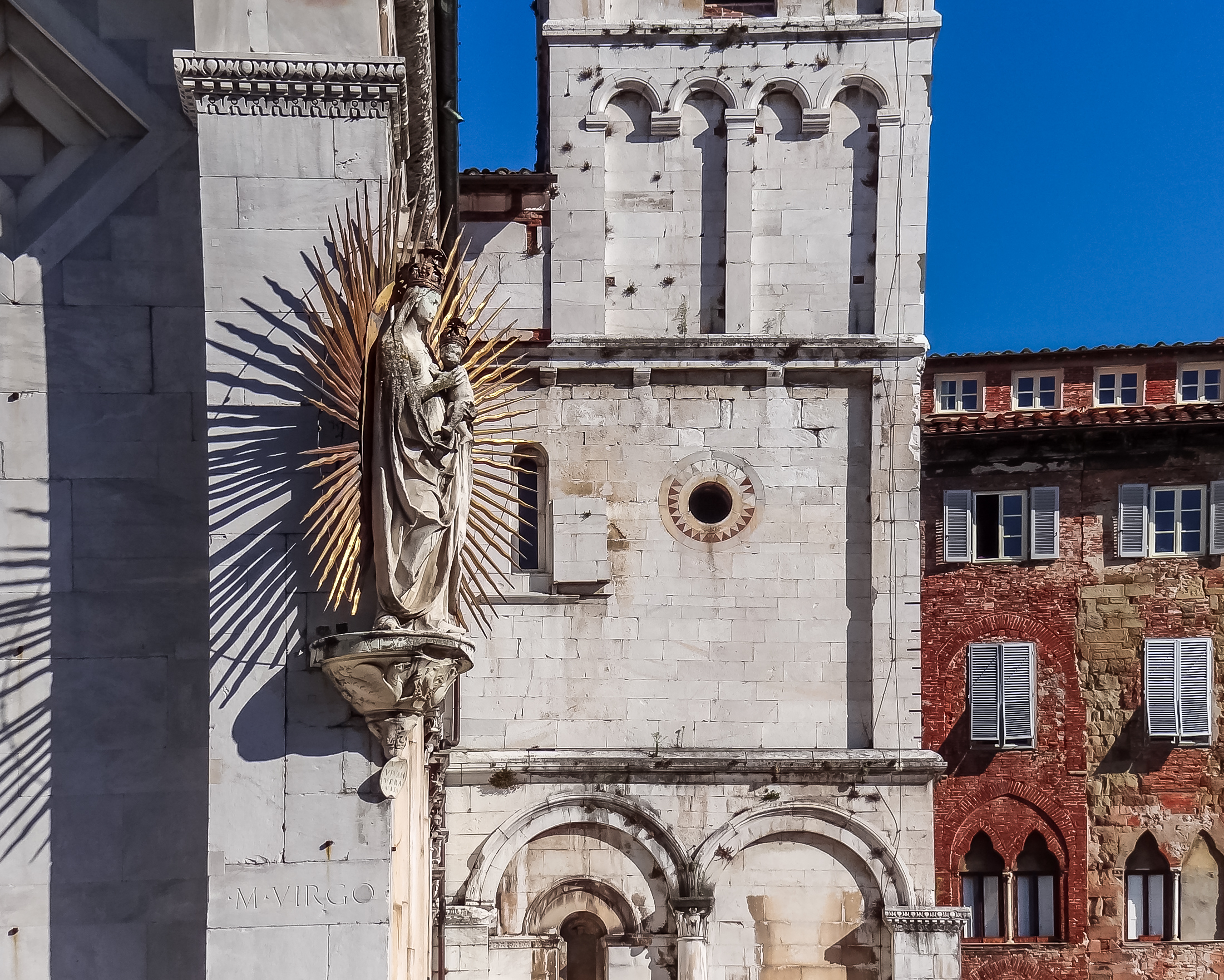 lucca-cathedral-mary.jpg
