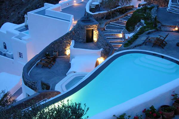 09-Best-Hotel-with-swimming-pool-Santorini-Greece-Perivolas.jpg