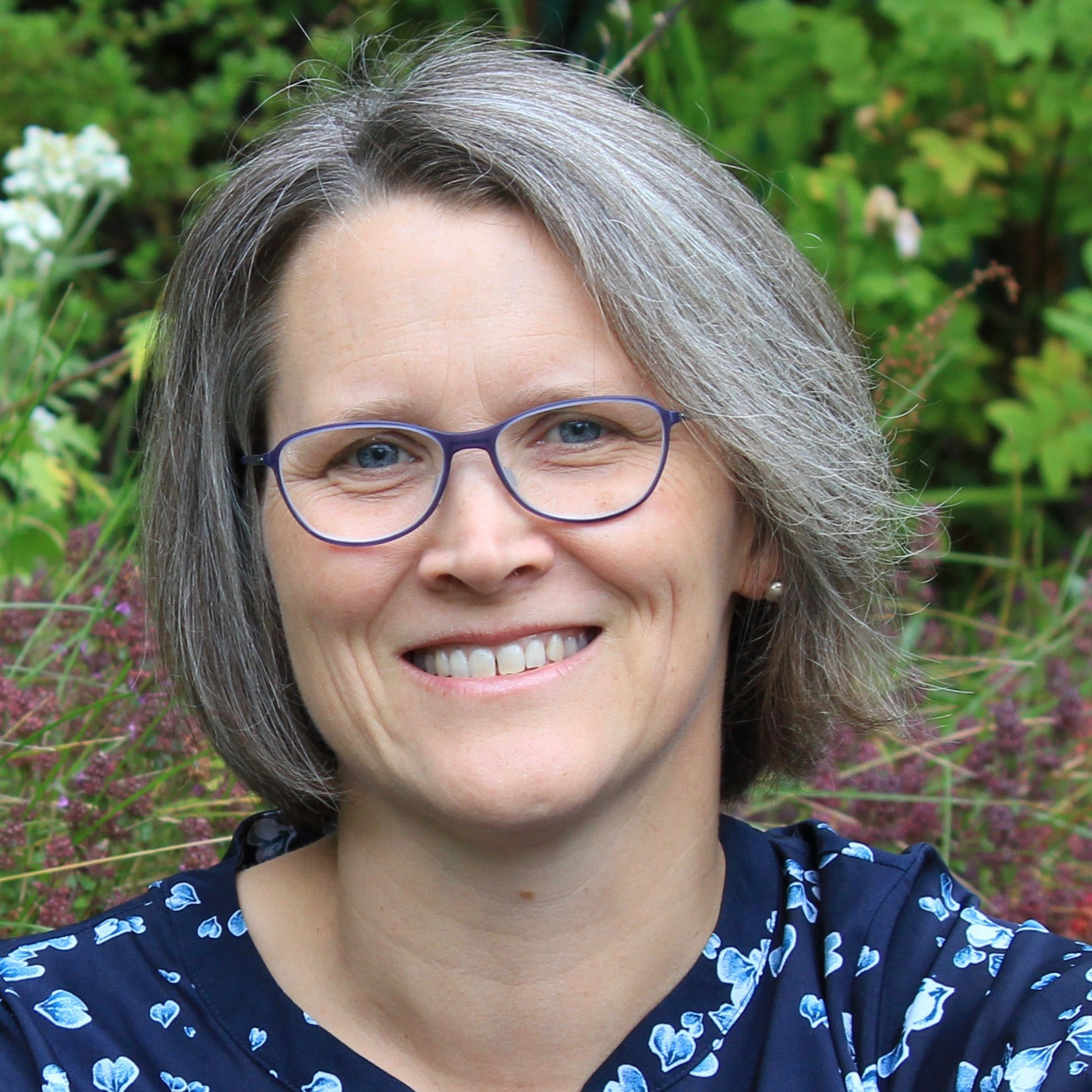 Claudia Haines   As a youth services librarian in Homer, Alaska, Claudia Haines connects children and their families with high quality media of all kinds that both reflect their diverse experiences and offer them a window into worlds beyond their own. She also trains other children's librarians in the use of new media to support literacy.   @ClaudiaHaines
