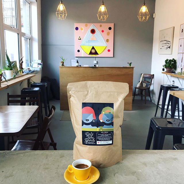 @girlswhogrindcoffee are back in the house 🙌 We're currently serving their Girl Crush coffee from El Salvador / San Salvador. This coffee is pure indulgence. Expect sweet & smooth, butterscotch, apple cider doughnut, toasted pecan and fireworks💥 #bunandbean