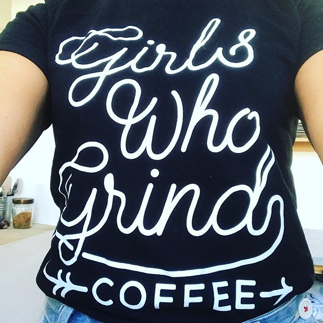 When you love the coffee you serve so much that you wear the brand for all to see 🖤💚 #girlswhogrindcoffee #bunandbean @girlswhogrindcoffee