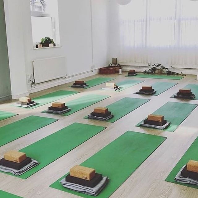 As part of @lewesoctoberfeast we are co-hosting a gorgeous evening of yoga, food and discussion on 26th October at @wearesoulfit 💚 It will start with some beautiful grounding yoga practice with the wonderful @anniesyoga followed by food prepared by us and then a conversation on confidence and self-care lead by the inspirational @donnalouise_  founder of @iamawildwoman_ Book via phone: 01273 009509 or email info@wearesoulfit.com 🙏