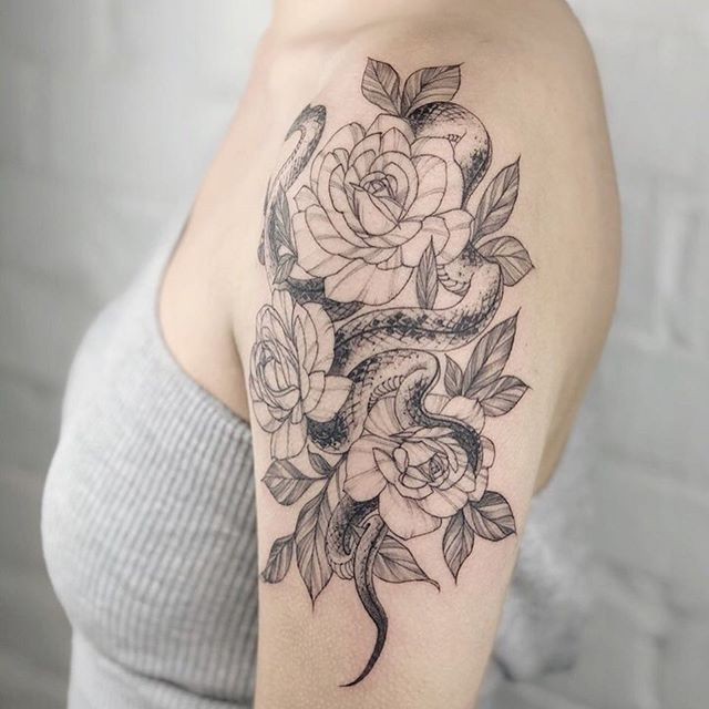 ➖Hello, Follow @tattoopeopletoronto➖ ———————————————————— 📞:1-647-850-5977 ✉️:tattoopeople521@gmail.com 🖥:www.tattoopeople.ca ➖Tattoo work by @iisye ➖ ————————————————————— #tattoopeopletoronto ———————————————————— #tattoo#tattoos#tattooink#tattooartist#torontotattoo#tattooink#art#TAOT#tttism#tattoopia#txttooing#tattooartist#design#illustration#torontoinknews#타투#타투도안#드로잉#일러스트#타투일러스트#토론토#타투피플#纹身#刺青#lineart#floral#finelinetattoo#blxckink#flowertattoo