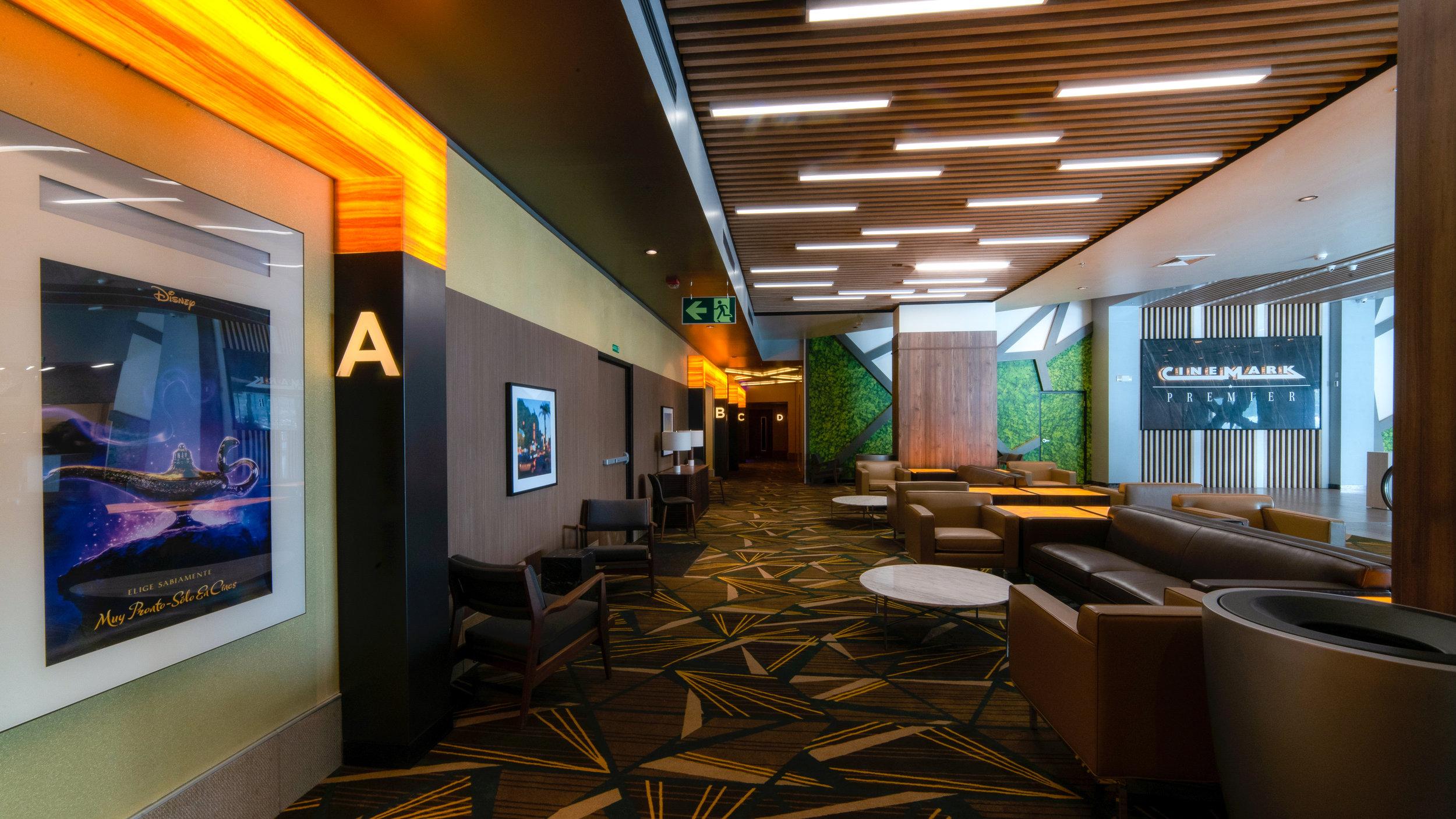 Área de Cinemark Premier Oxígeno Heredia.jpg