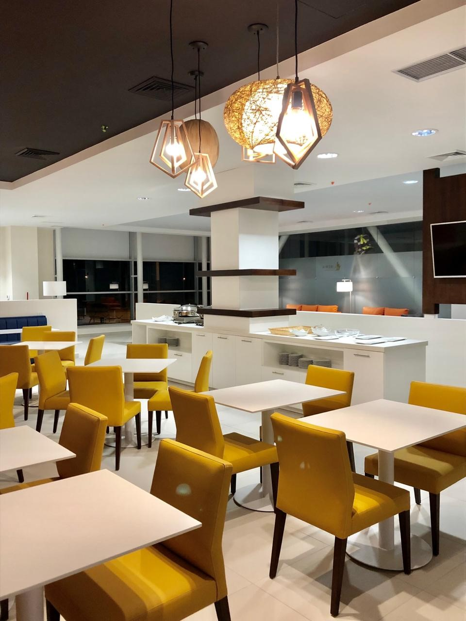 VIP Lounge 2.jpg