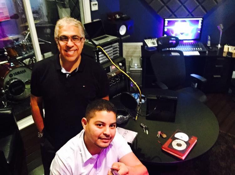 Pastor Manolo Urrutia - Oscar Morales