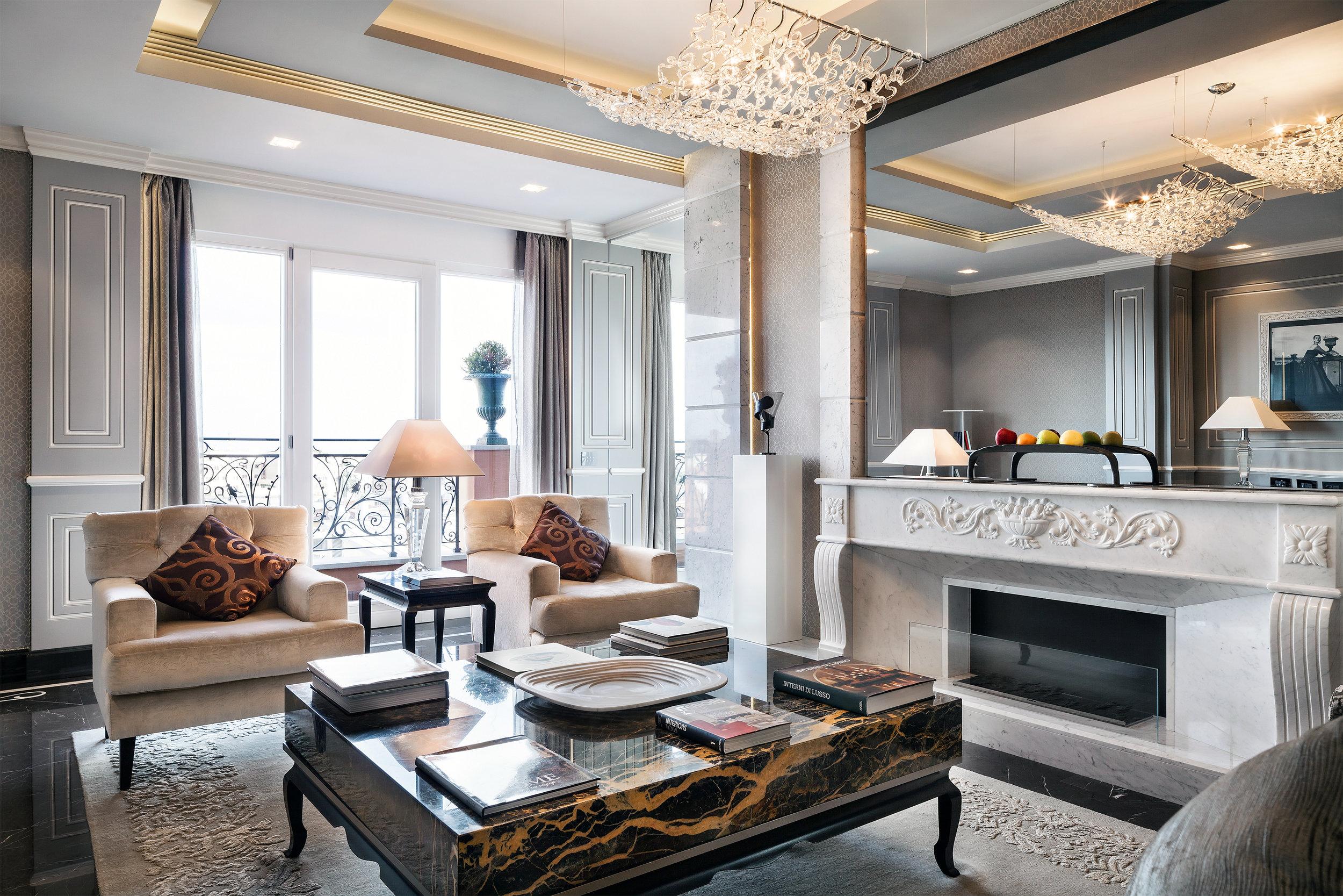 13_Roman_Penthouse_living.jpg