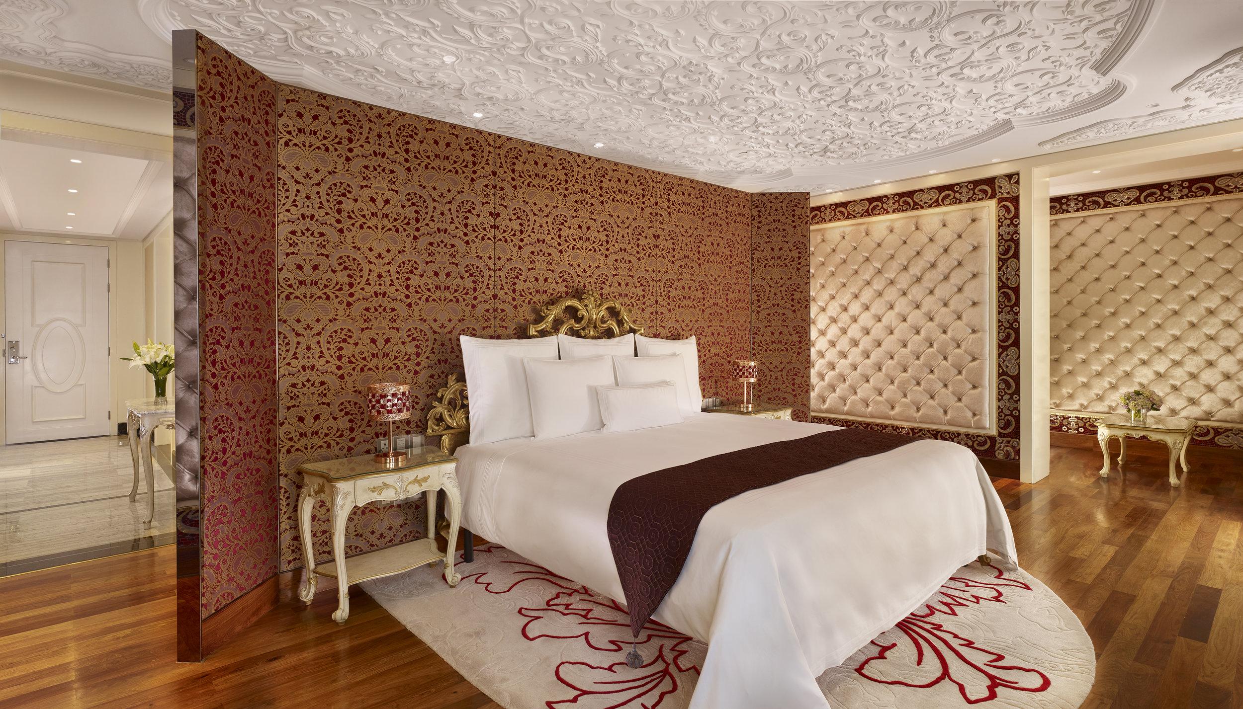 The Reverie Saigon - Romance Suite - I.jpg