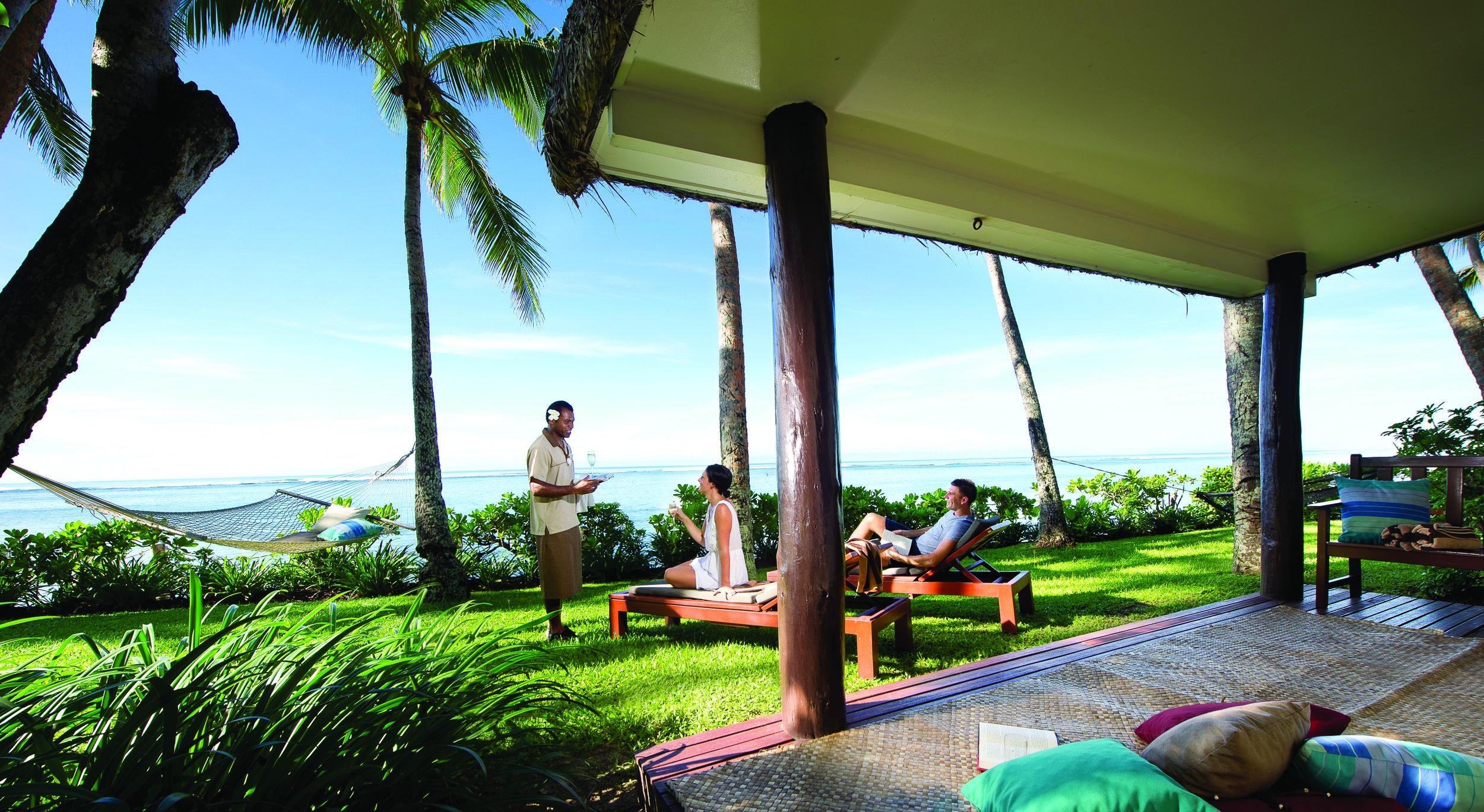 Hi_FOR_65609331_outrigger-fiji-beach-resort-exterior-beachfront-bure1.jpg
