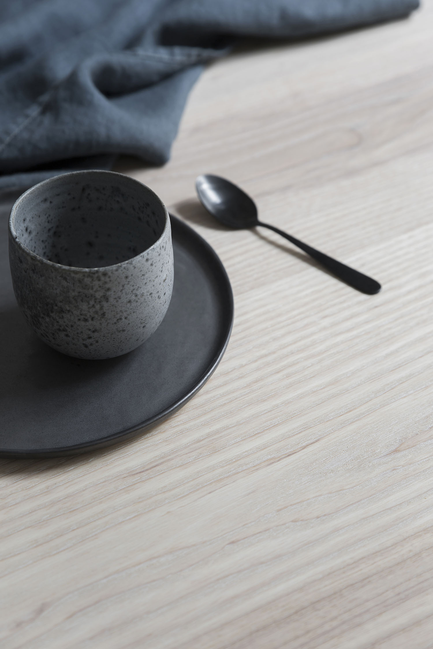 table_ash_3.jpg