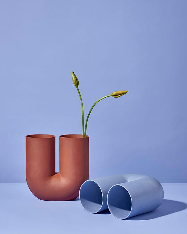 Kink. - by @earnest_studio ⠀⠀⠀⠀⠀⠀⠀⠀⠀ - #earneststudio #vase #rachelgriffin #ceramic #vase #design #objectdesign #baronesso