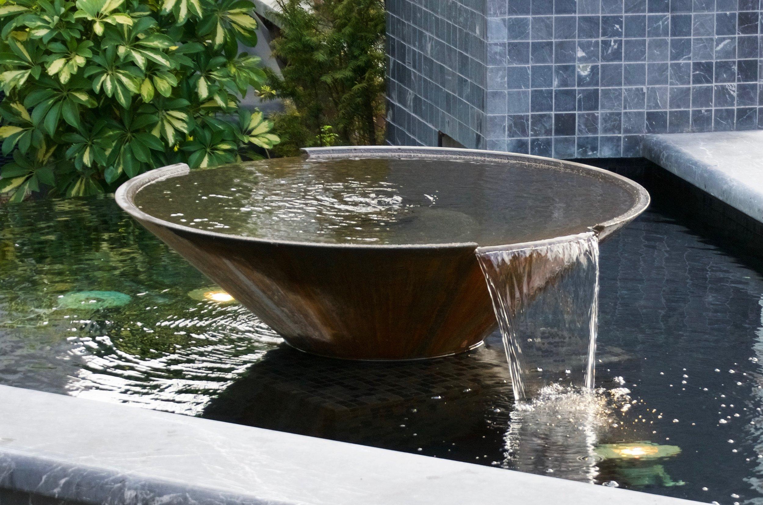 WATERBOWL AND REFLECTING POOL