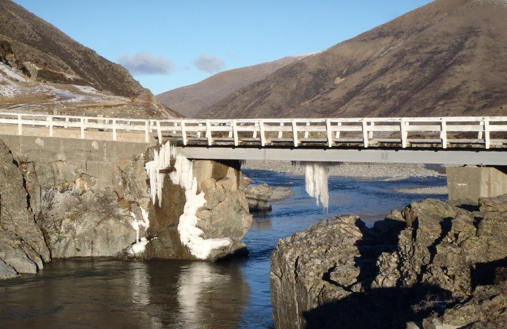 Irelands bridge across the upper Ahuriri river from Longslip station to Birdwood station