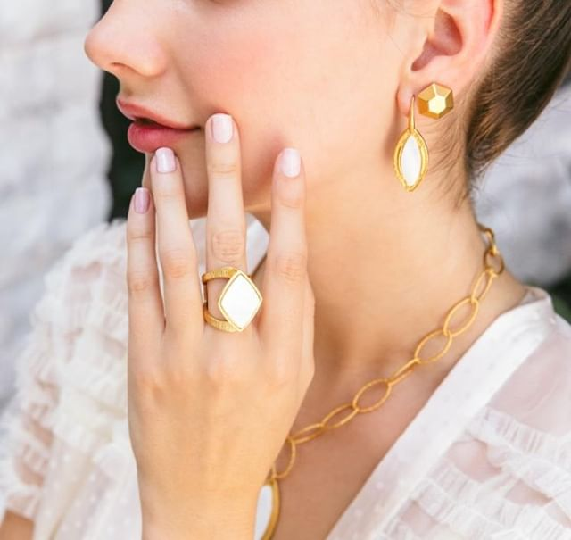 Check our killer matte gold collection by clicking the link in our bio 💎⚡ . . . #niceandbella #bellapower #fashionjewelry #trendytuesday #entrepreneur #businessopportunity #bosswomen