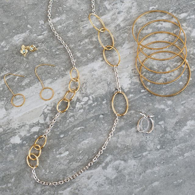 Explore all the beautiful combinations by mixing and matching metals 😍 💎 . . . #niceandbella #bellapower #fashionjewelry #weekendvibes #sundayfunday #entreprenuer #businessopportunity #bosswomen #sundaze