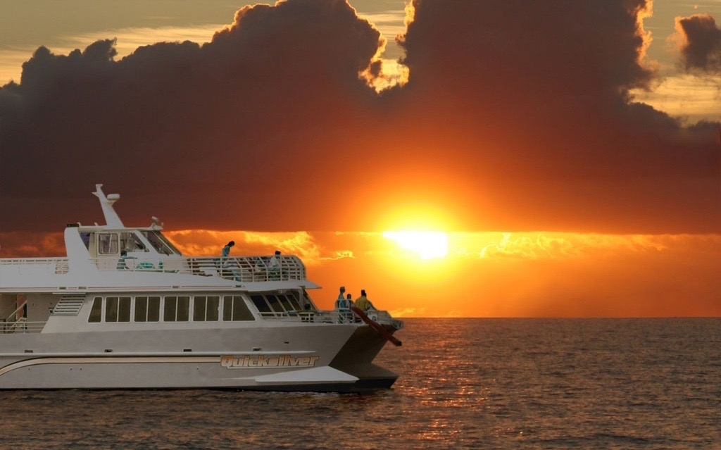 Quicksilver-Dinner-Cruise.jpeg