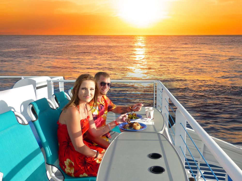 Calypso-Dinning-Sunset.jpg