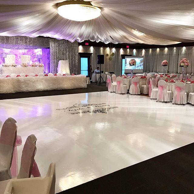 Contact us today at info@marqueedesign.ca to turn your wedding dreams into reality!