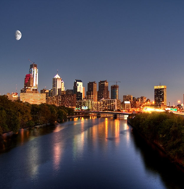 Philadelphia_skyline_sunset.jpg