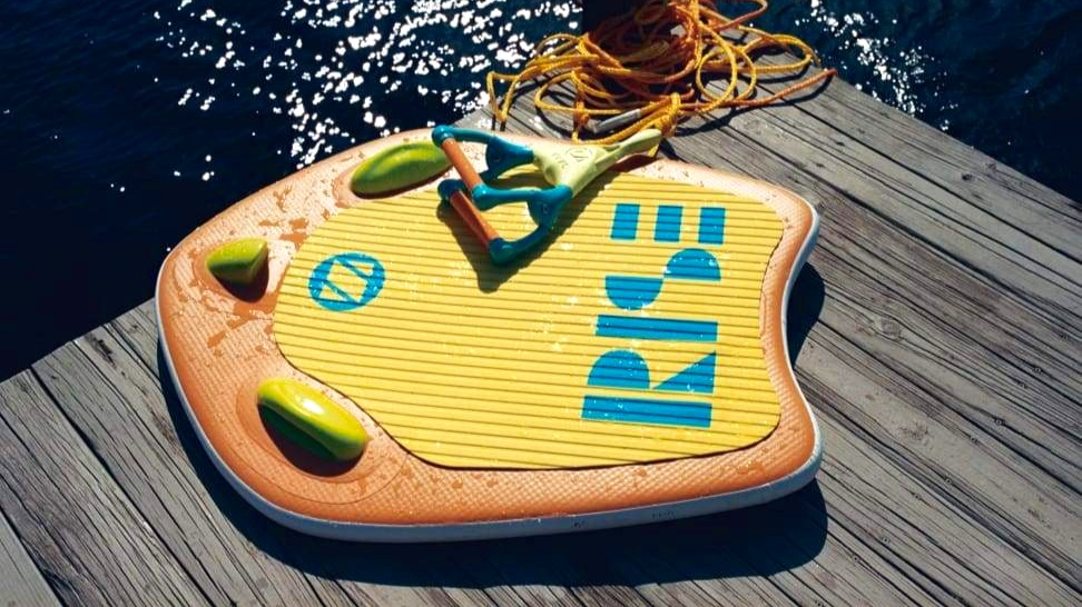 RiseZUP Boogie - The boogie version of the board has been designed with the beach and smaller users in mind. Wider and shorter than the surf version, it is more stable in the ocean or behind a boat.