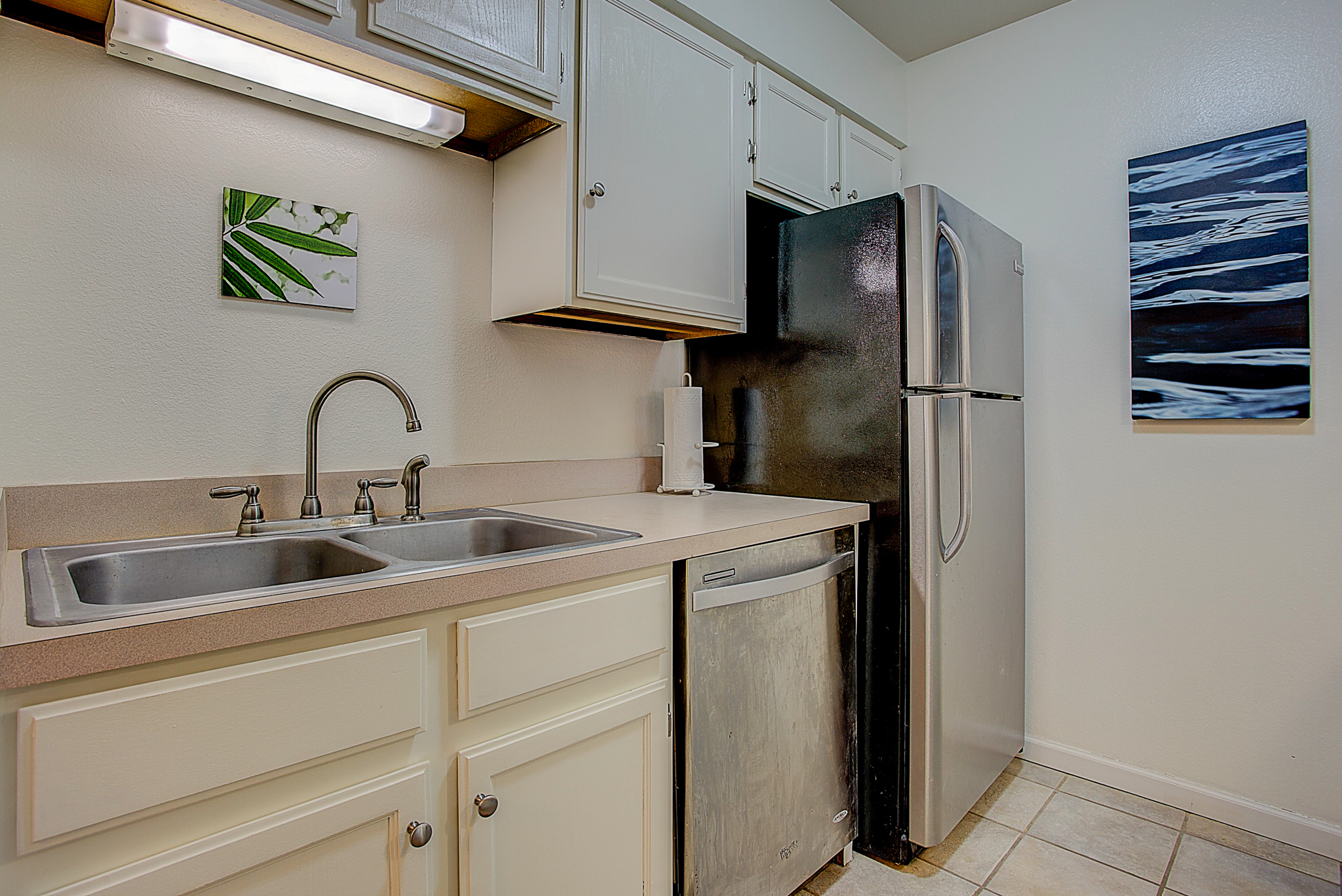 4670 White Rock Circle Unit 7_KitchenB.JPG