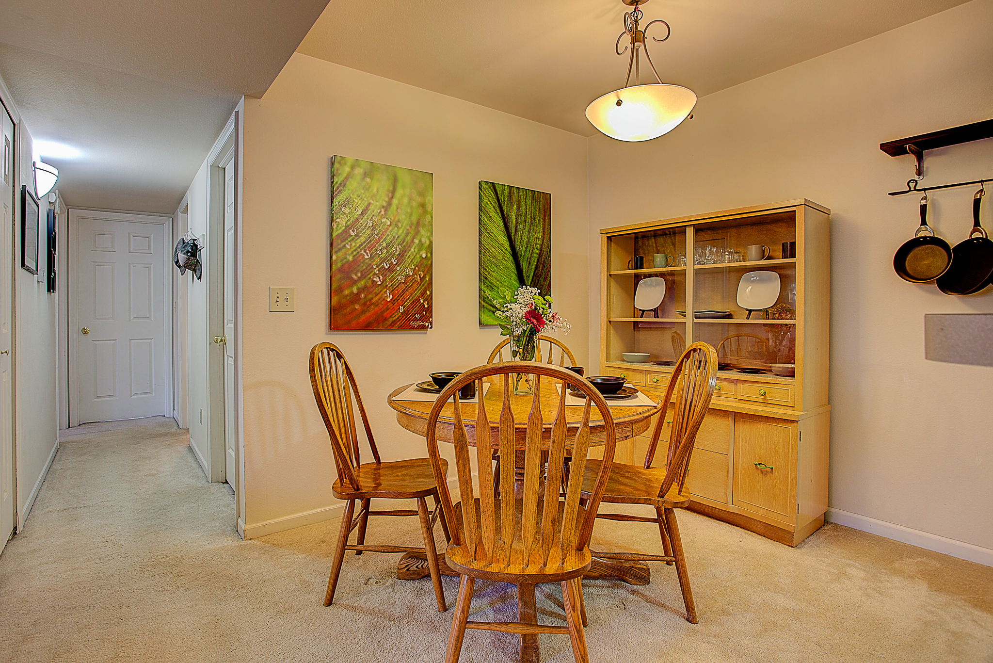 4670 White Rock Circle Unit 7_Nook-Hallway.JPG