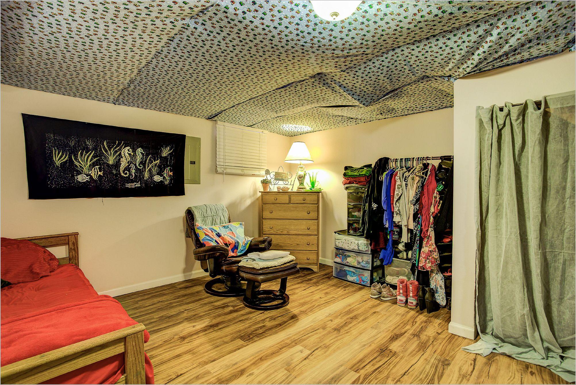 30 35th Street_Bedroom02C.jpg