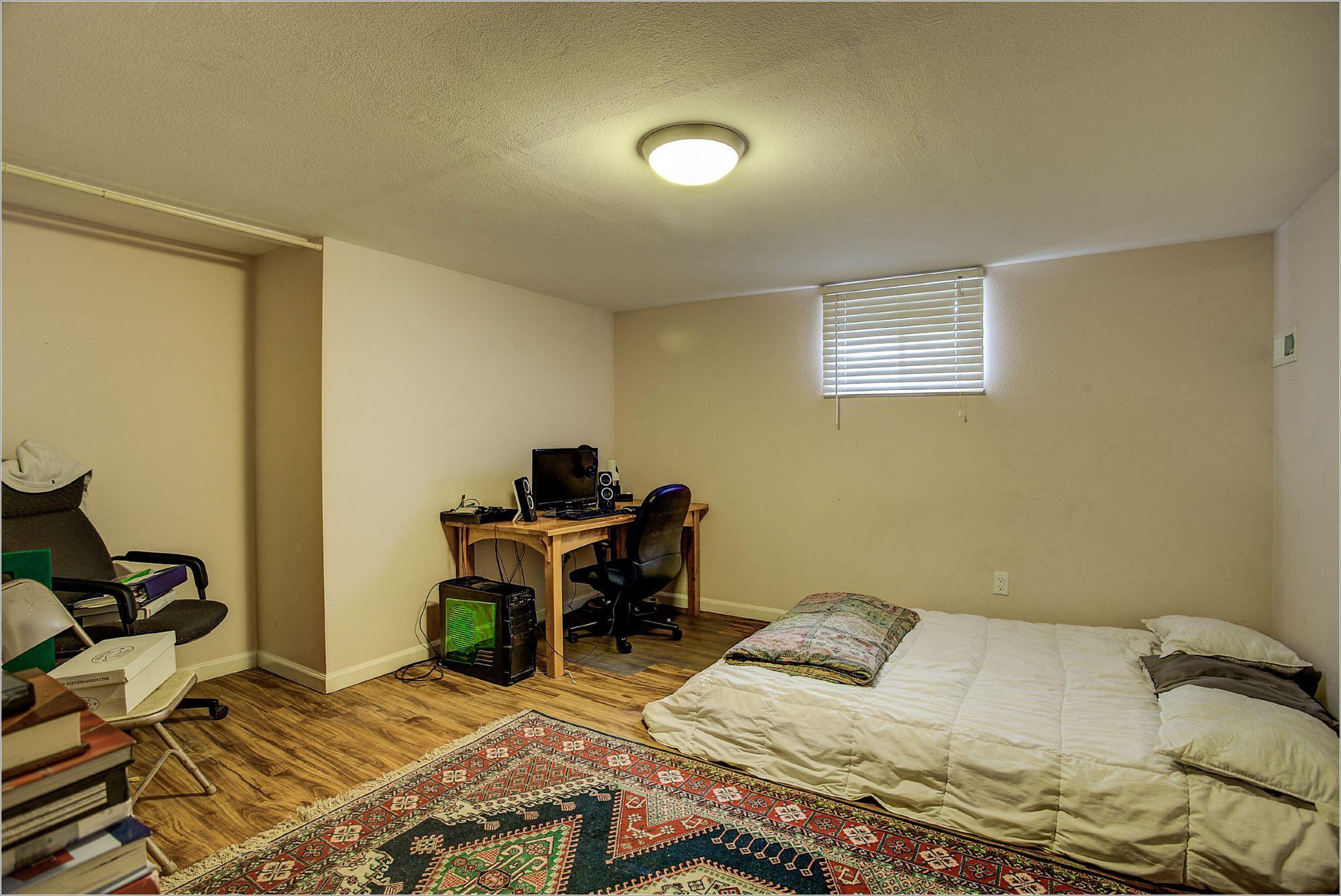 30 35th Street_Bedroom03A.jpg
