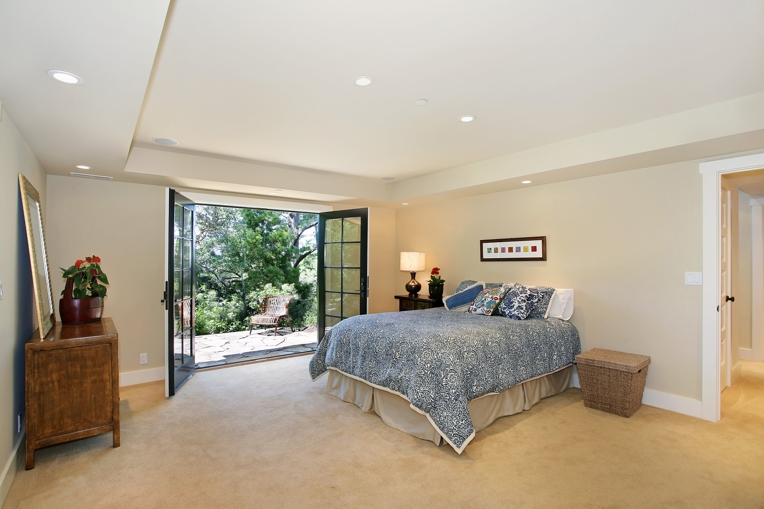 659_Chapman_Dr_guestBedroom.jpg