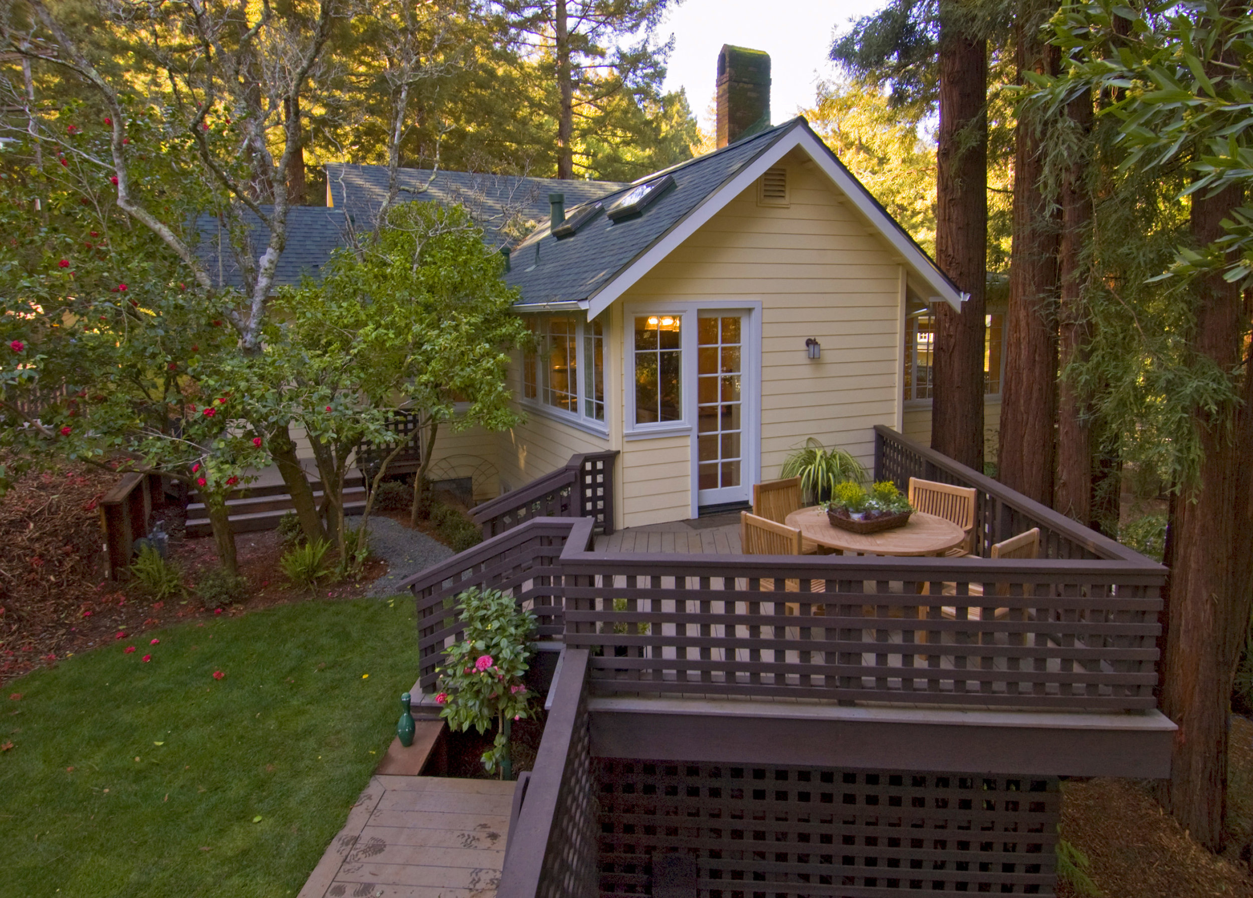 Larkspur  Cottage  Full Gallery