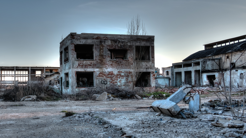 abandoned-buildings-decay-1369257.jpg