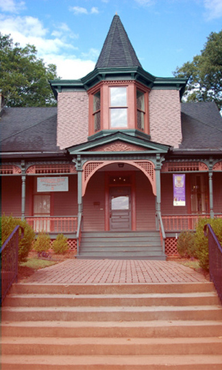 Victorian at 503 Peeples Street SW