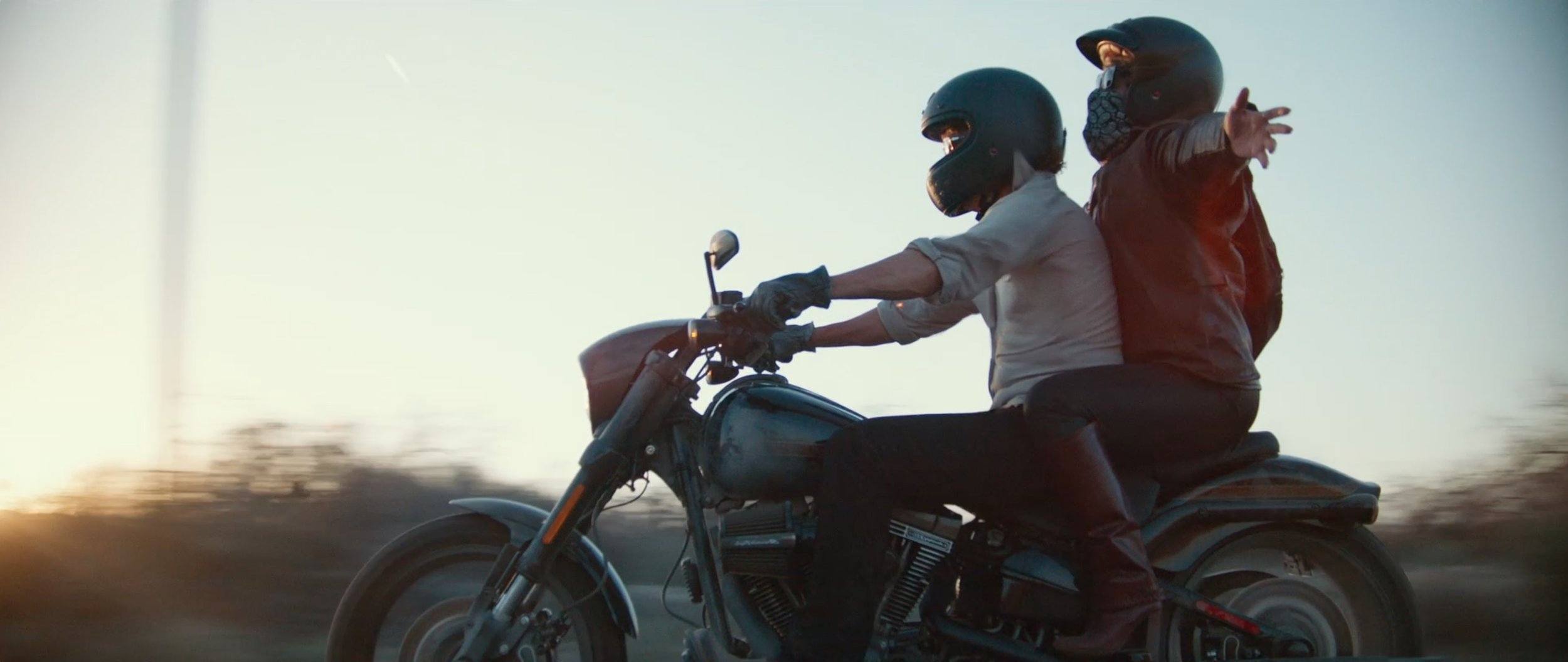 Shots like this expand the scope of the film by contrasting the trailer's story.