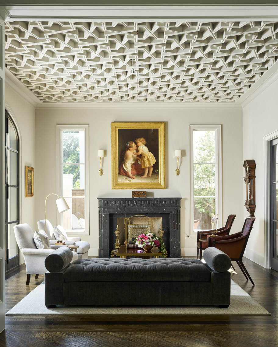 A Statement Ceiling Steals the Show
