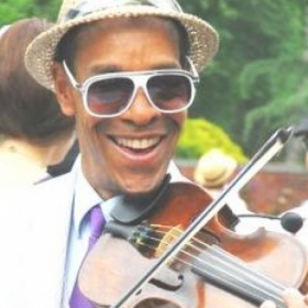 Raycurt Johnson, violin