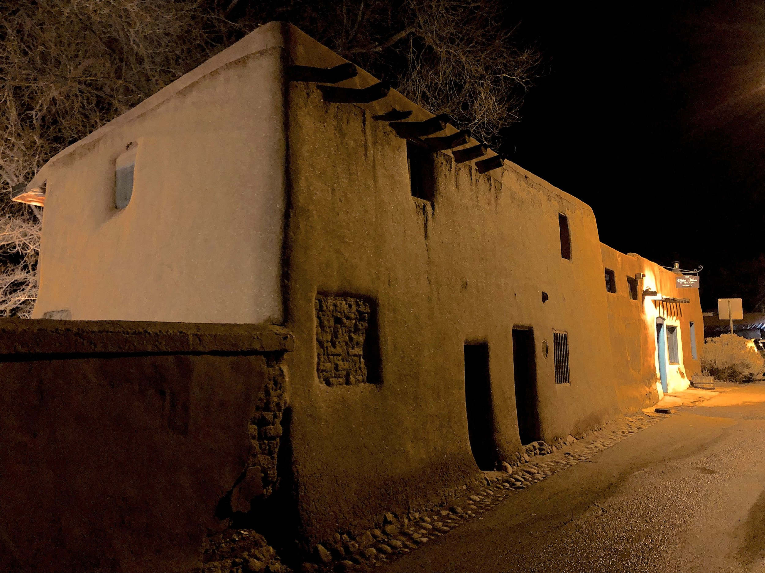 oldesthouse.jpg