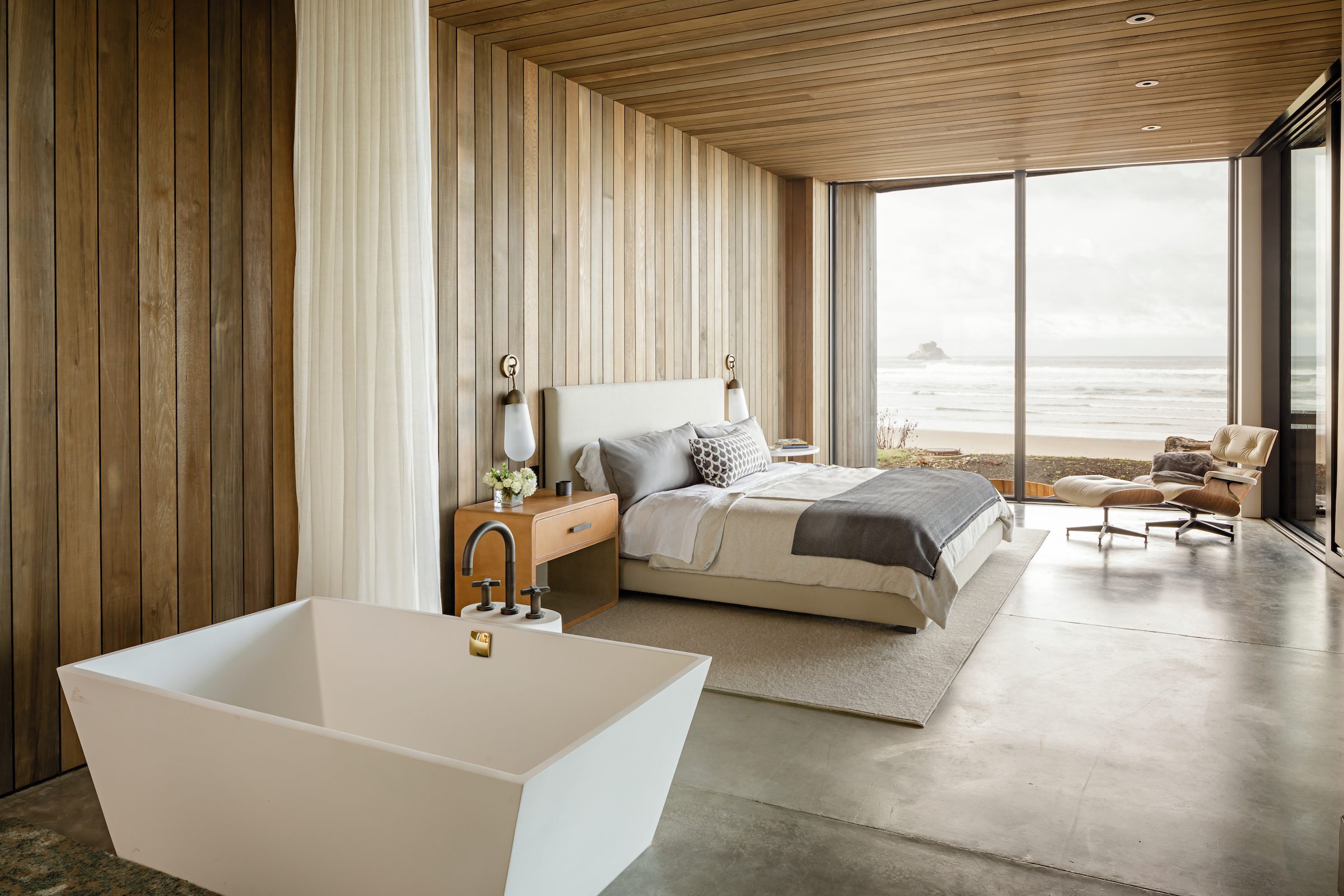 Dwell Magazine - Top 5 Homes of the Week With Cozy BedroomsApril 2018