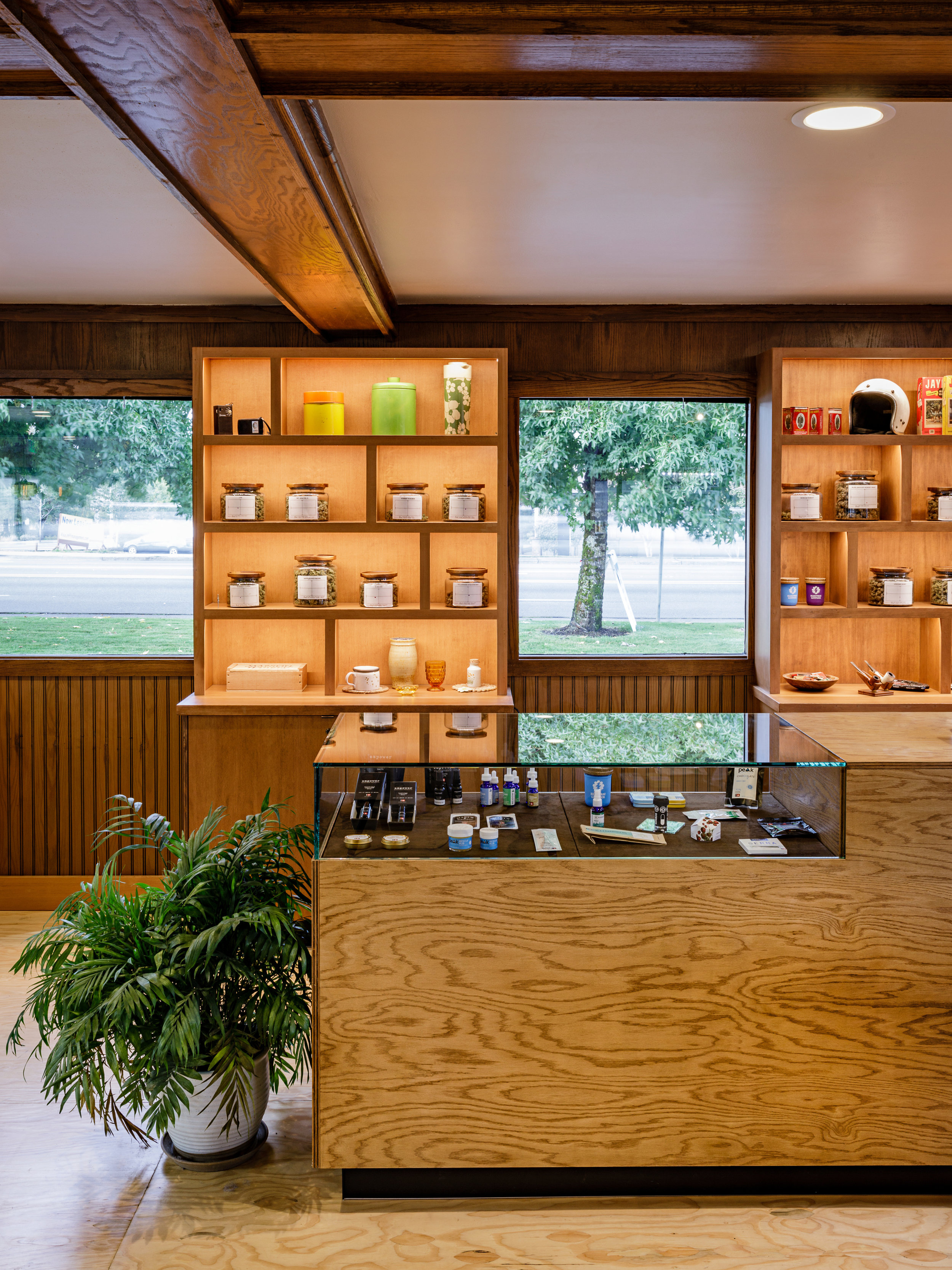 archinect - Electric Lettuce Redefines The Retail Marijuana Experience With A Polished 1960's VibeAugust 2018