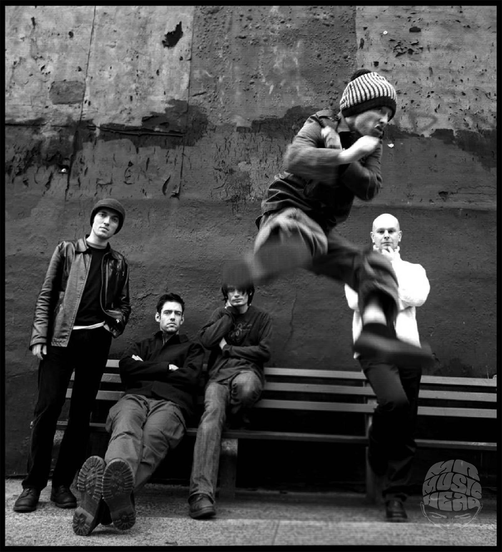 Danny Clinch_radiohead.jpg