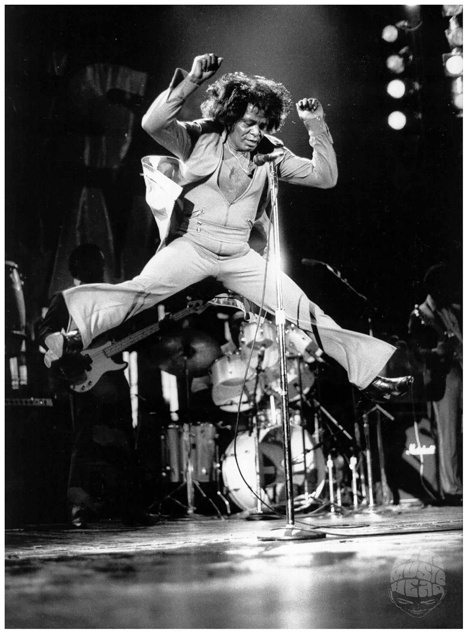 david corio_james brown_live jump.jpg