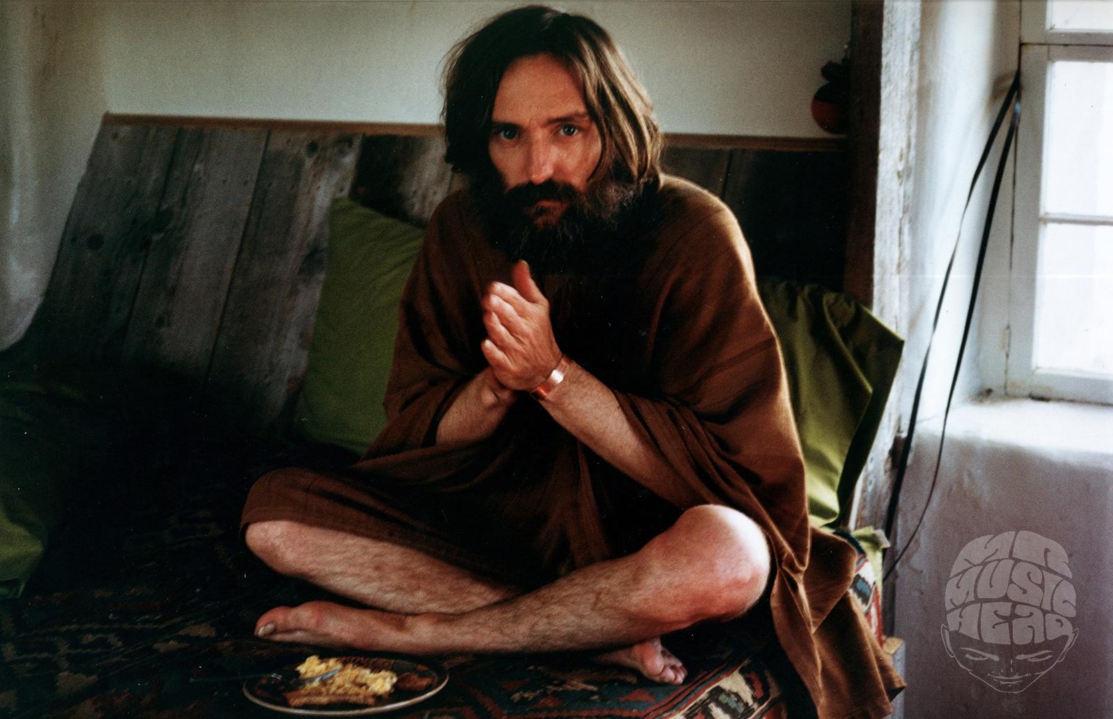 LISA LAW DENNIS HOPPER PRAYING.jpg