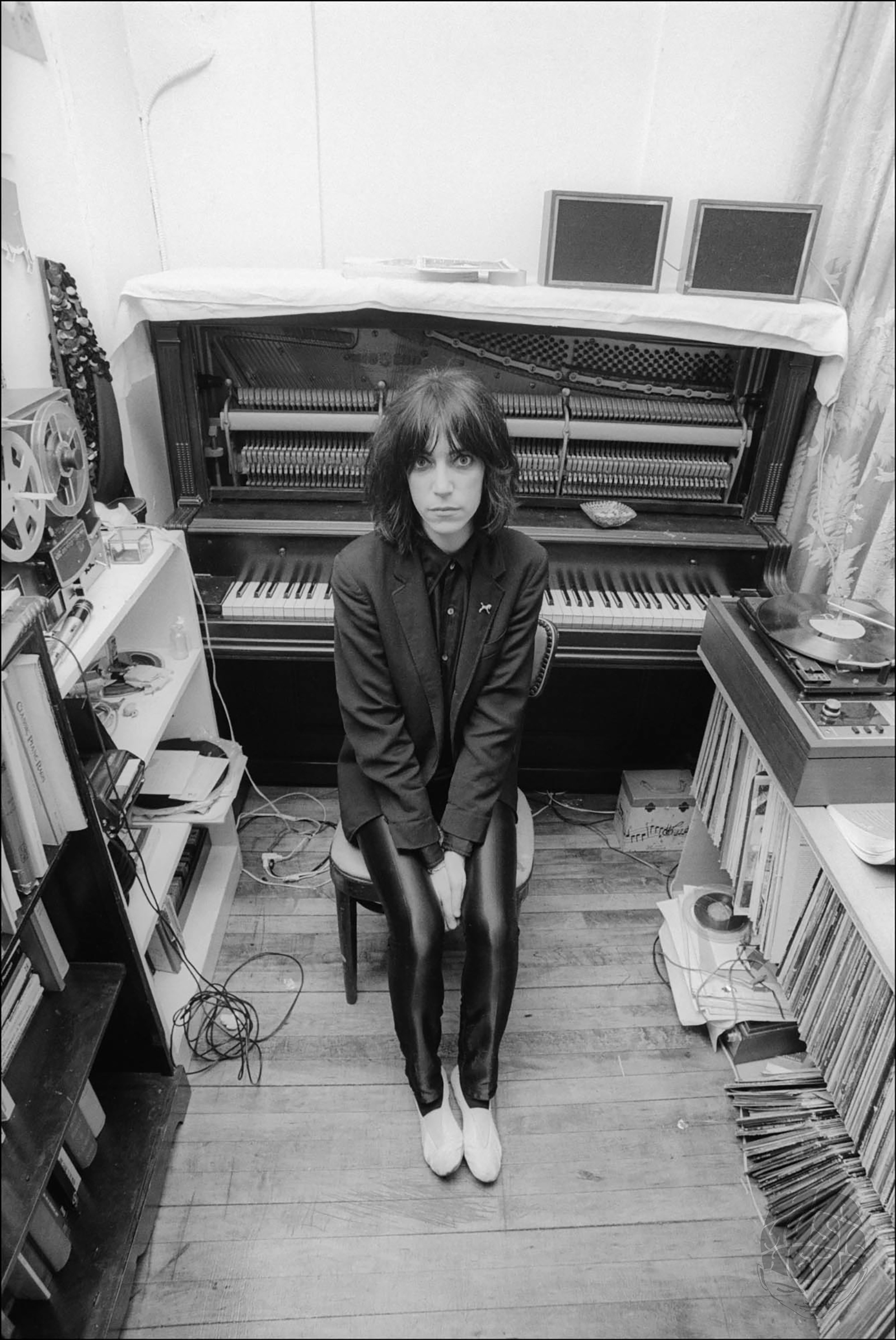 allan tannenbaum_Patti Smith_Piano.jpg