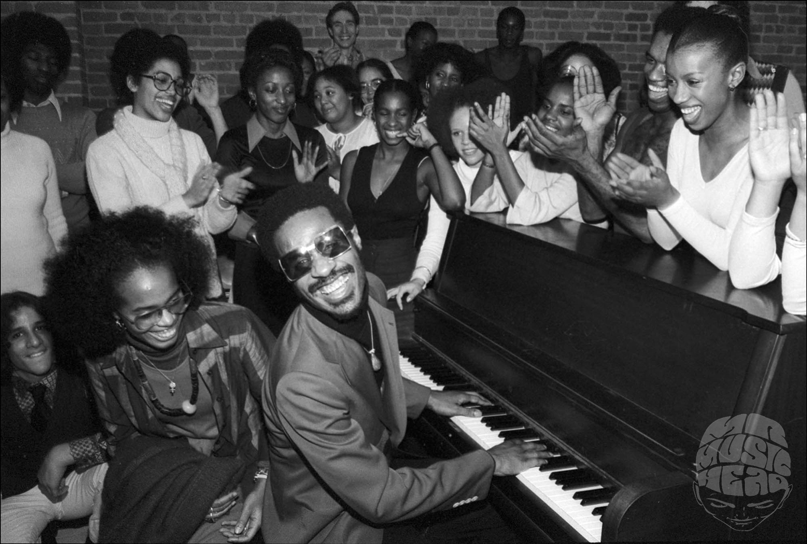 allan tannenbaum_Stevie Wonder_Piano.jpg