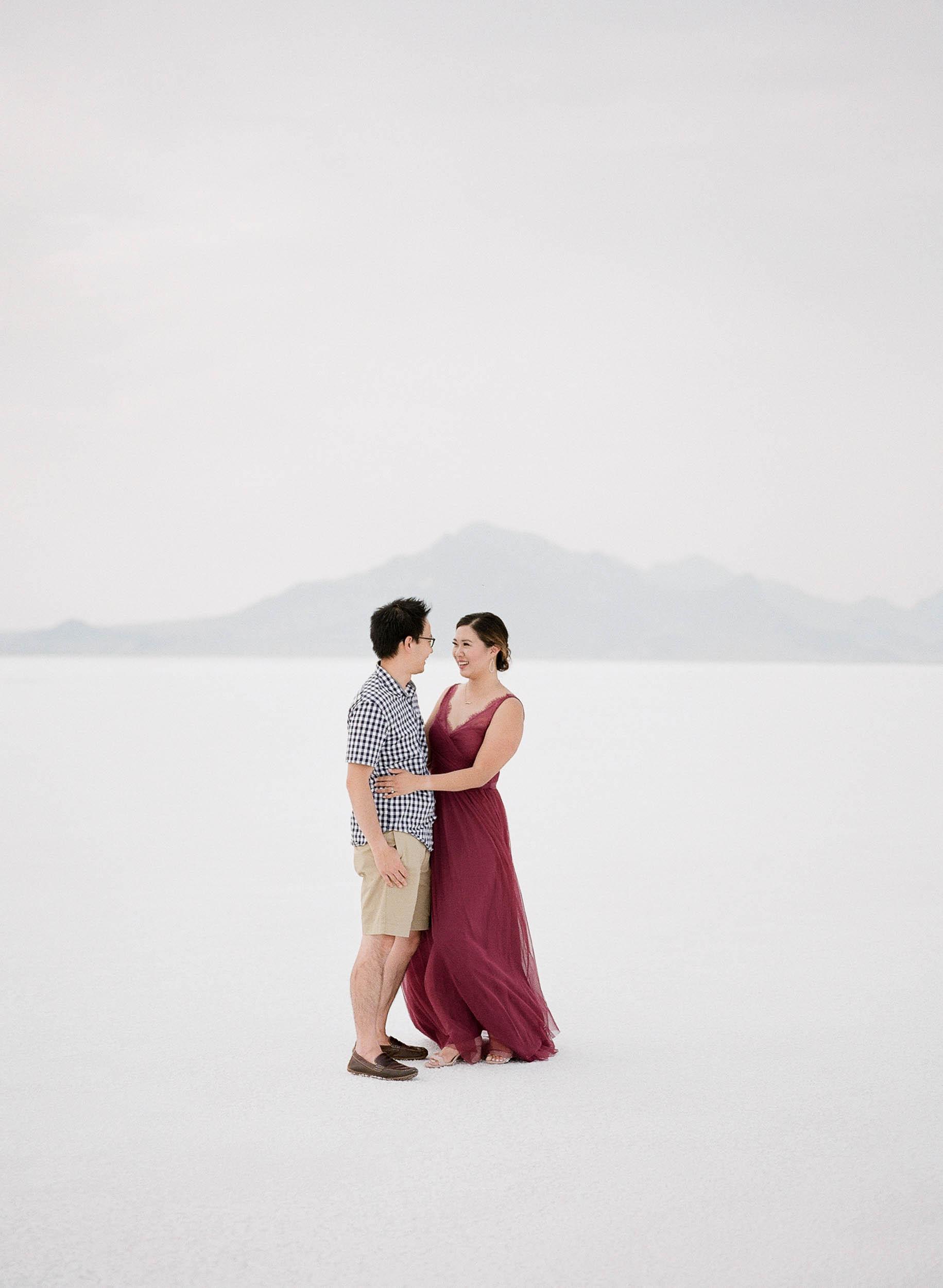 070918_Sandy A La Mode_Family_Utah Salt Flats_Buena Lane Photography_F400_04.jpg