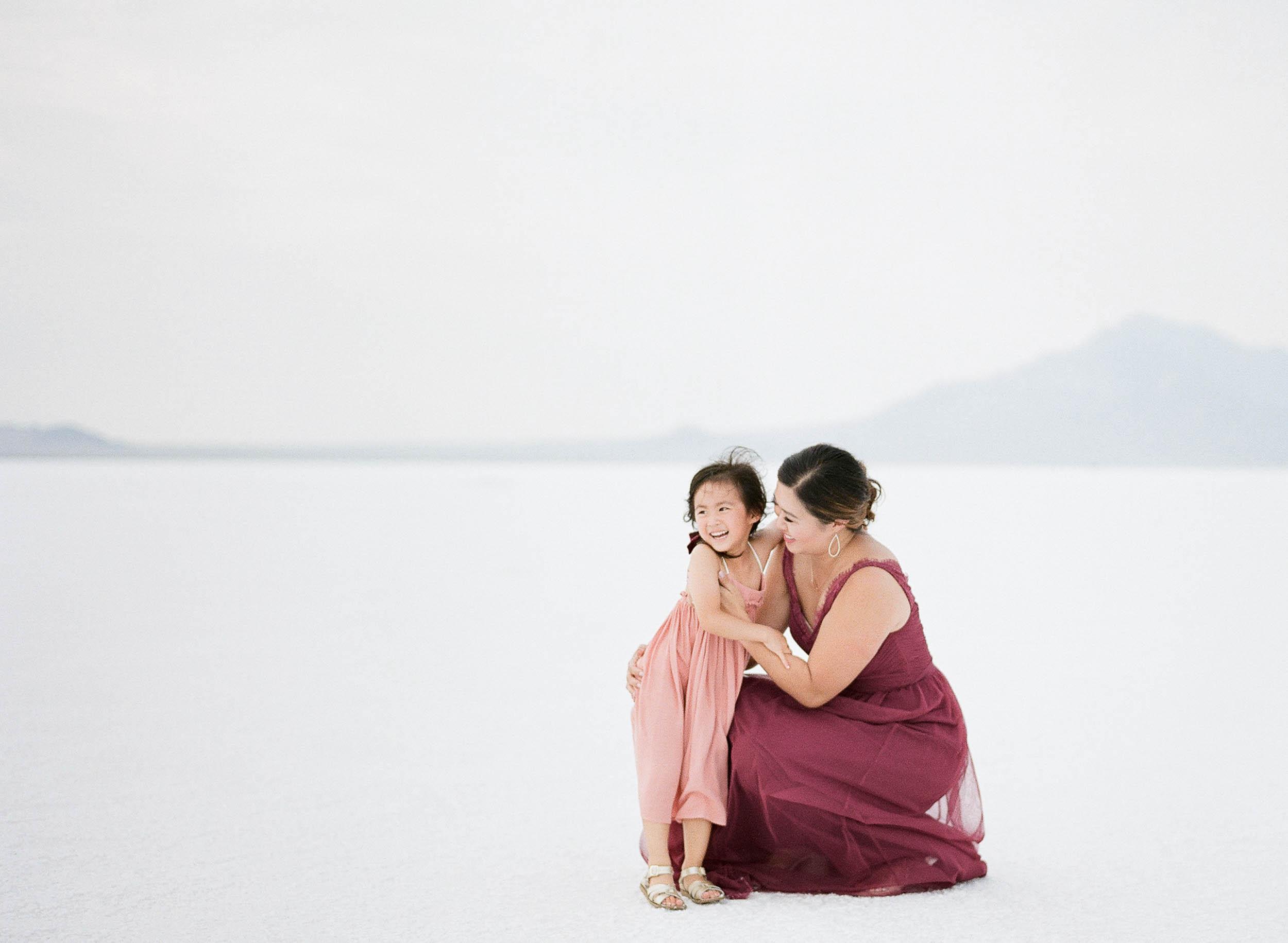 070918_Sandy A La Mode_Family_Utah Salt Flats_Buena Lane Photography_F400_37.jpg