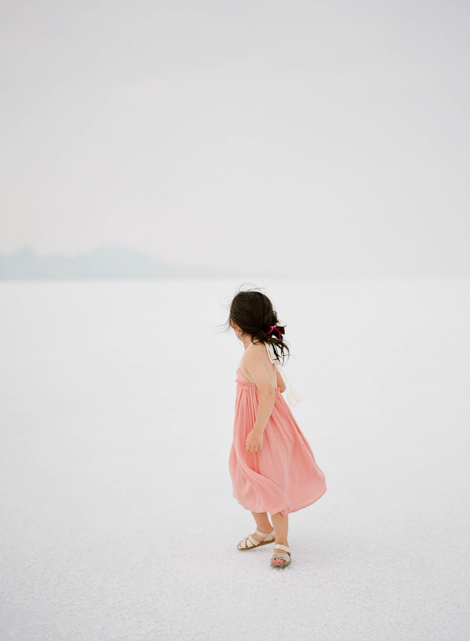 070918_Sandy A La Mode_Family_Utah Salt Flats_Buena Lane Photography_F400_29.jpg