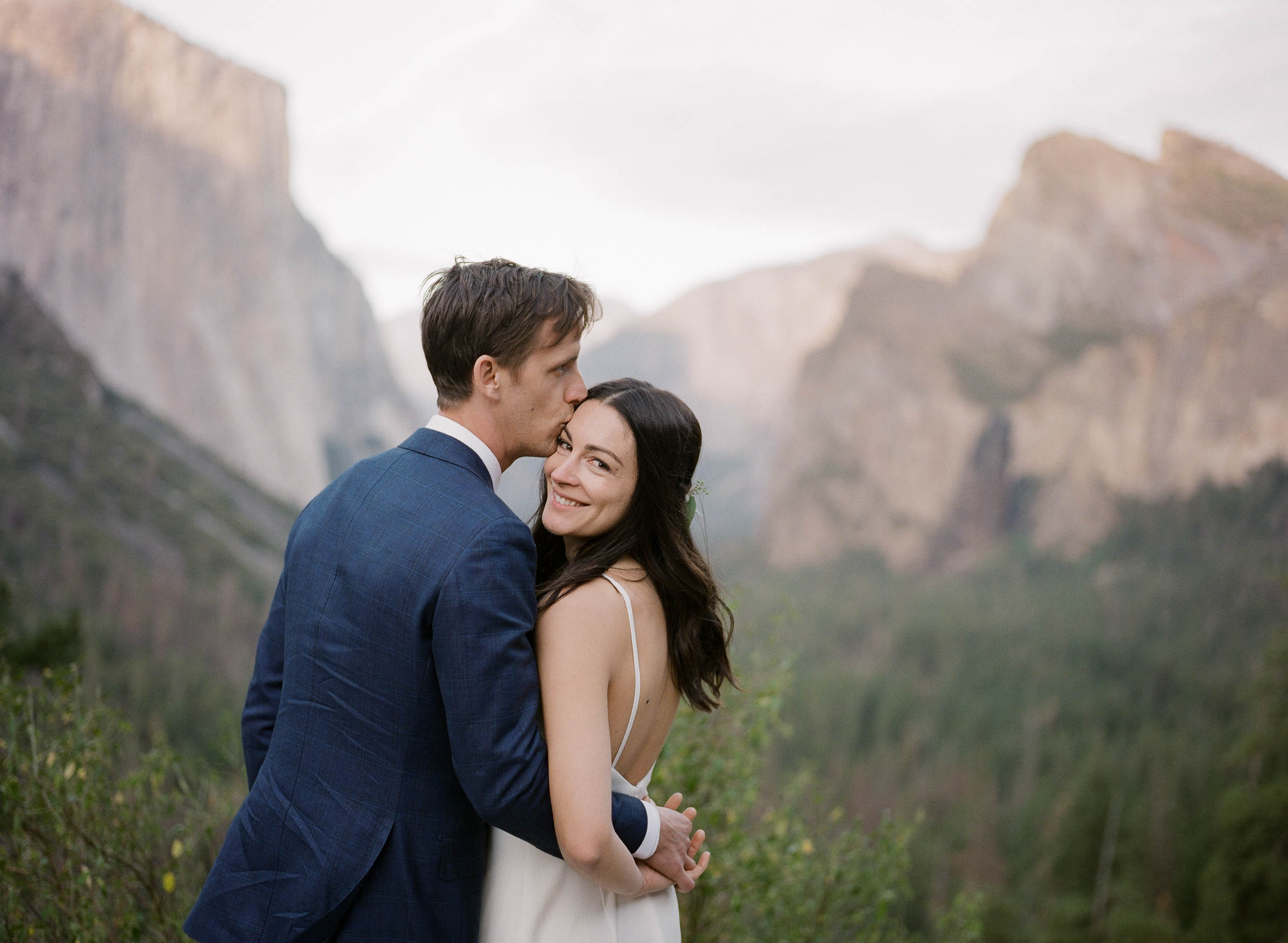 Intimate Yosemite Wedding_Buena Lane Photography_000063840011-3.jpg