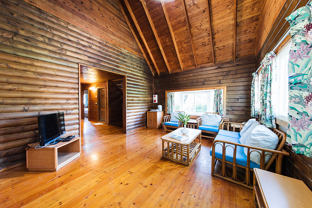 ***SOLD OUT***Shared Cabin for 12$6,750nt per personShared beds$7,750 pp after March 10 - This Package includes:2 nights cabin with 6 shared beds12 Oceansound Yoga Festival passes12 Spring Scream music festival passesBreakfast buffetPool and spa access$81,000 - Total package price$93,000 - After March 10To reserve this package use the form below12人別墅 ($6,750/每人)費用包含:2晚住宿,6張大床12 張海沁瑜伽節免費通行票12 張春天吶喊音樂節免費通行票自助式早餐免費使用戶外游泳池、SPA水療池總金額$81,000 ,預定時請支付全額費用預購訂票請填妥下列表單