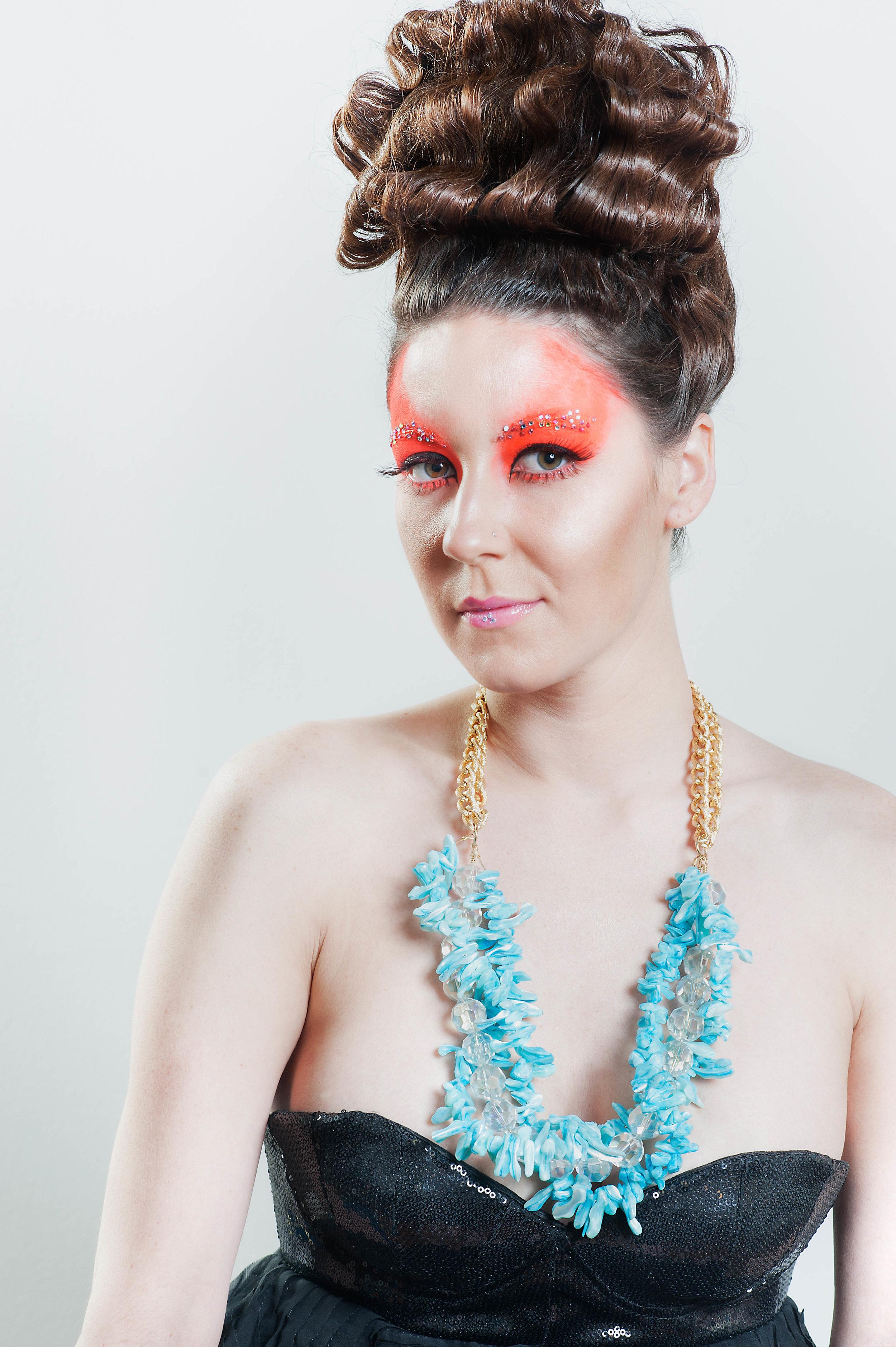 blue_coral_sprakle_necklace.jpg